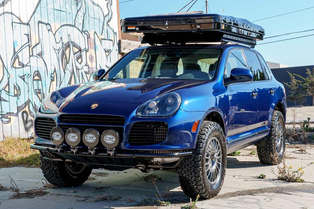 foto cayenne explore 01 - Старый Porsche Cayenne Turbo S подготовили для путешествий на природу