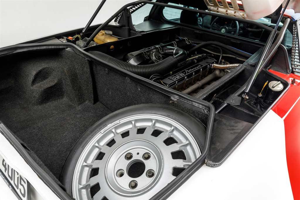 Торги за принадлежавший Полу Уокеру BMW M1 в разгаре: ценник превысил ₽29 млн
