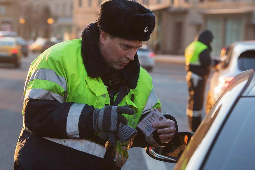 Эксперимент: российским водителям разрешат ездить без прав