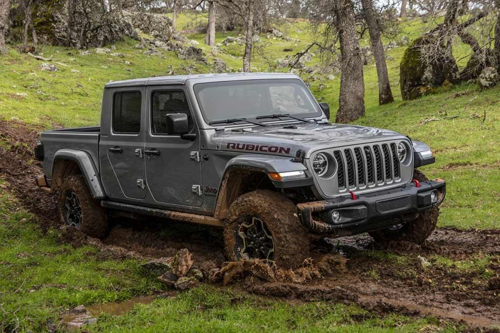 Покатался всего 5 дней: владельца нового Jeep лишили гарантии за выезд на оффроад