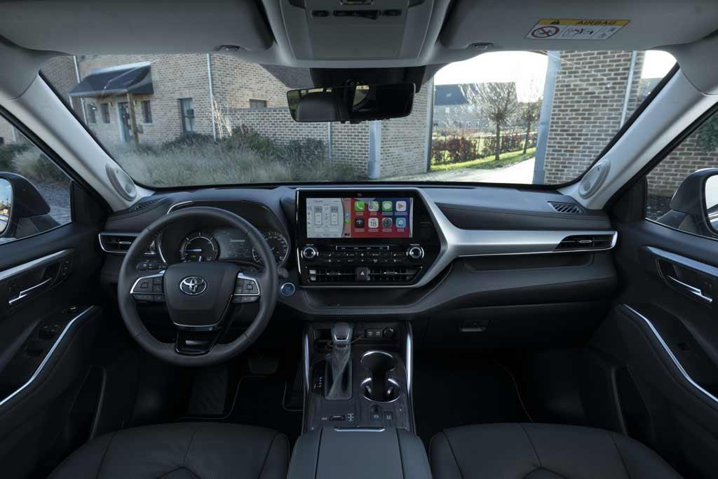 Большой кроссовер Toyota Highlander впервые будет продаваться в Европе