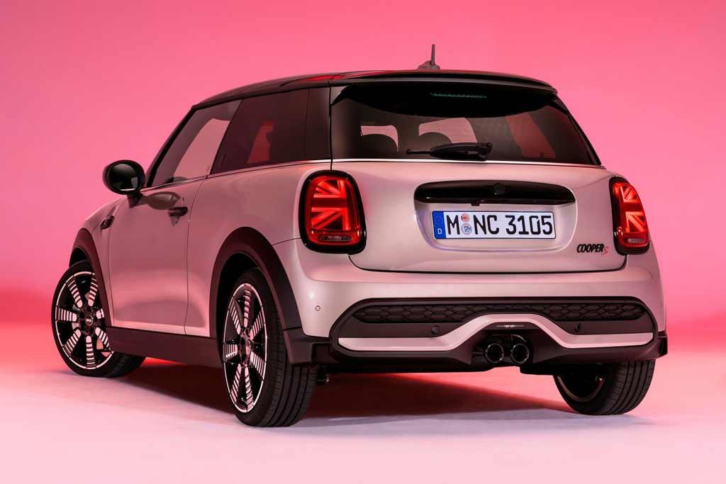 Британцы презентовали хэтчбеки и кабриолет MINI Cooper S 2022 года