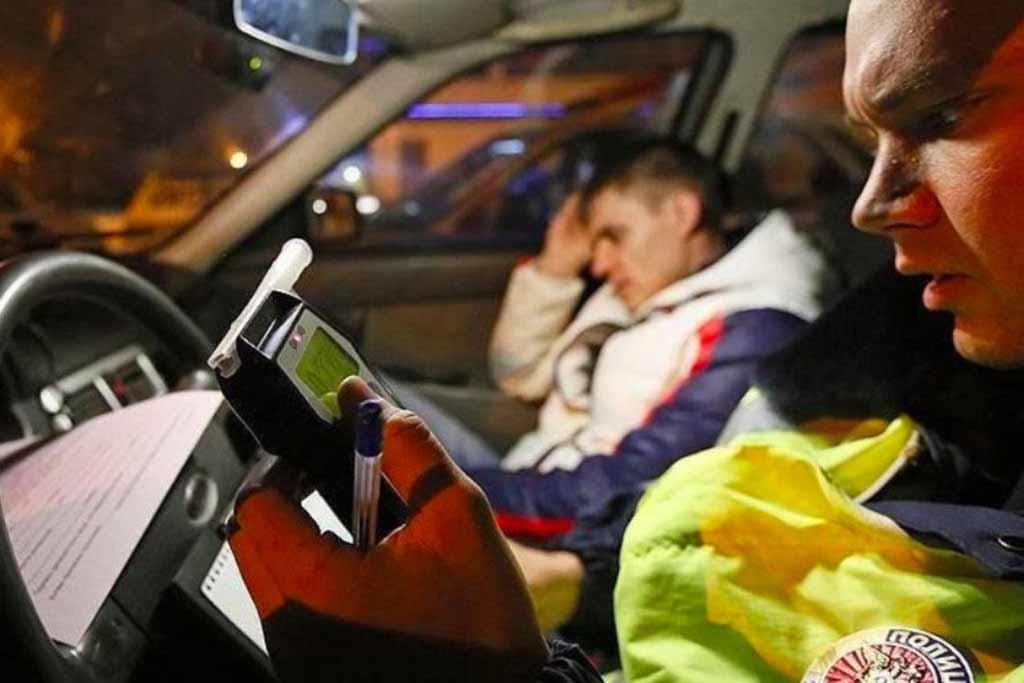 В 2021 году водителей обложат новыми штрафами: за что будут наказывать