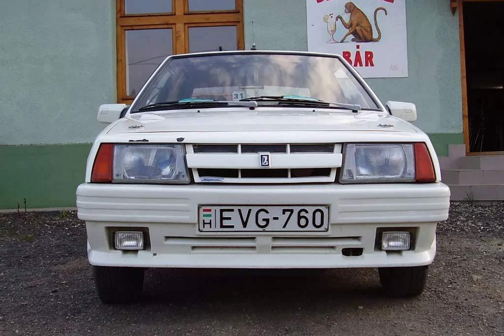 «Восьмерка» от венгерских тюнеров: когда-то фирма Polux делала такие ВАЗ-2108