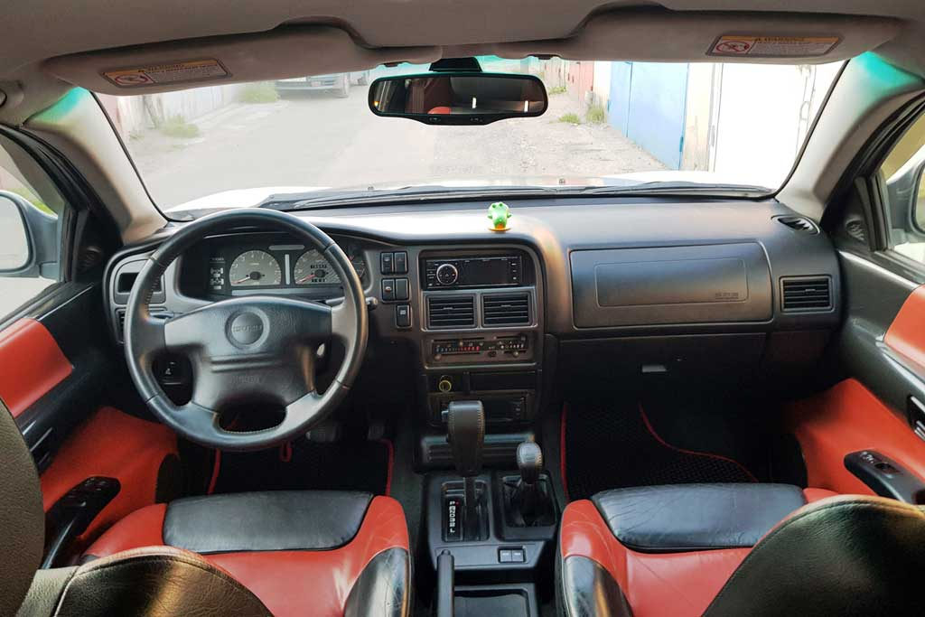 Вспоминаем Isuzu Vehicross: японцы рискнули, но модный дизайн машину не спас