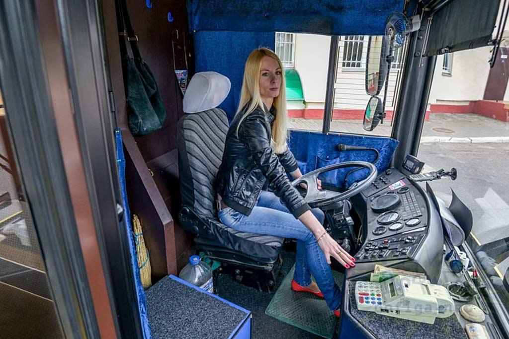 Почему трамваями и троллейбусами чаще управляют женщины