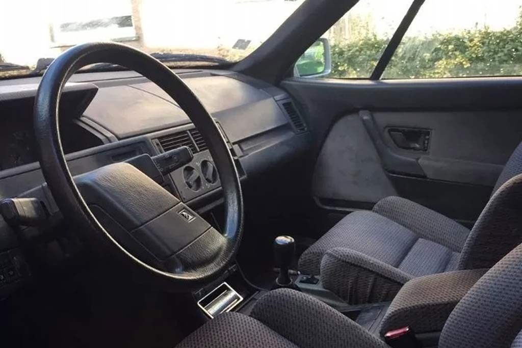 Развлекать или работать: старый Citroen XM переделали в необычный фургон
