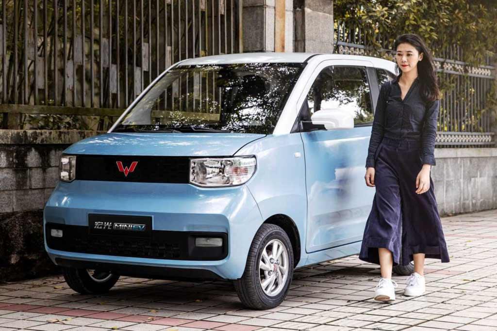 Раскупают как горячие пирожки: в Китае огромный рост продаж электромобилей