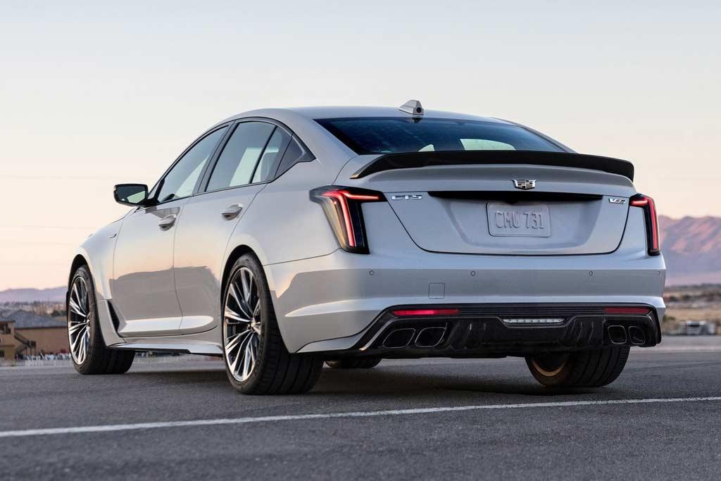 Cadillac CT4-V и CT5-V получили экстремальную версию Blackwing