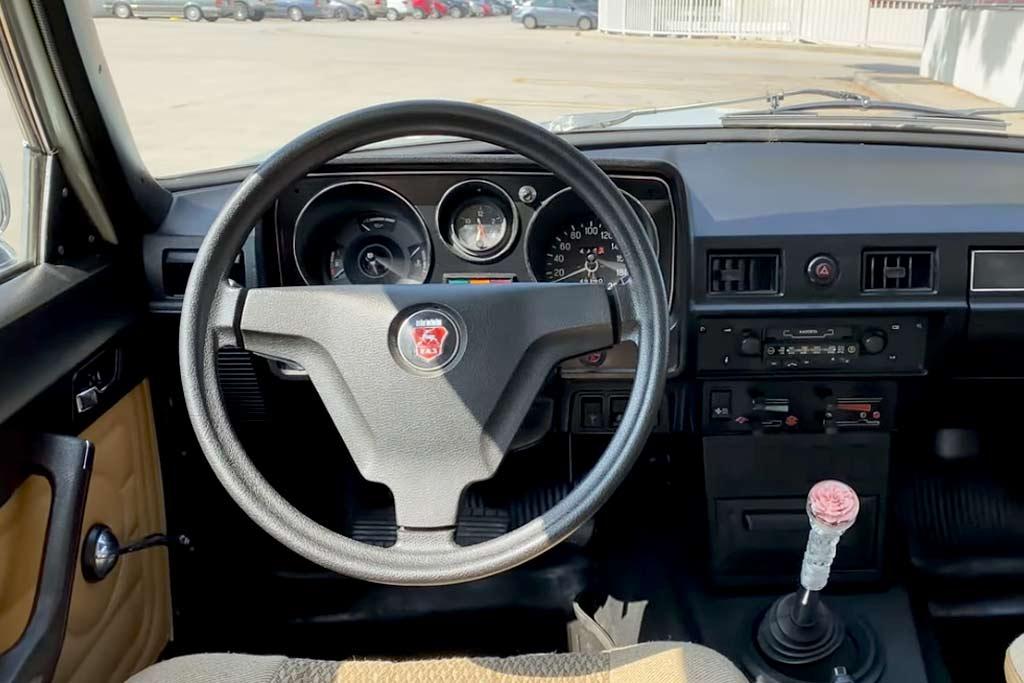 Авто блогер из США раскритиковал ГАЗ-24-10 по всем фронтам