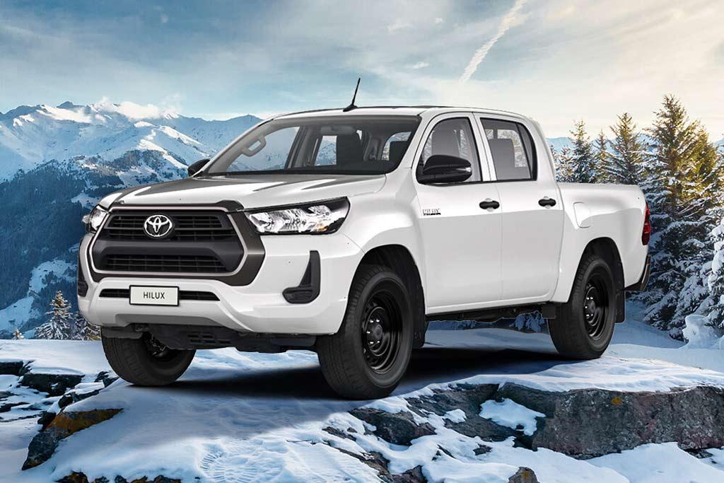 Toyota Hilux получил в РФ бензиновый мотор: идет только в урезанной комплектации