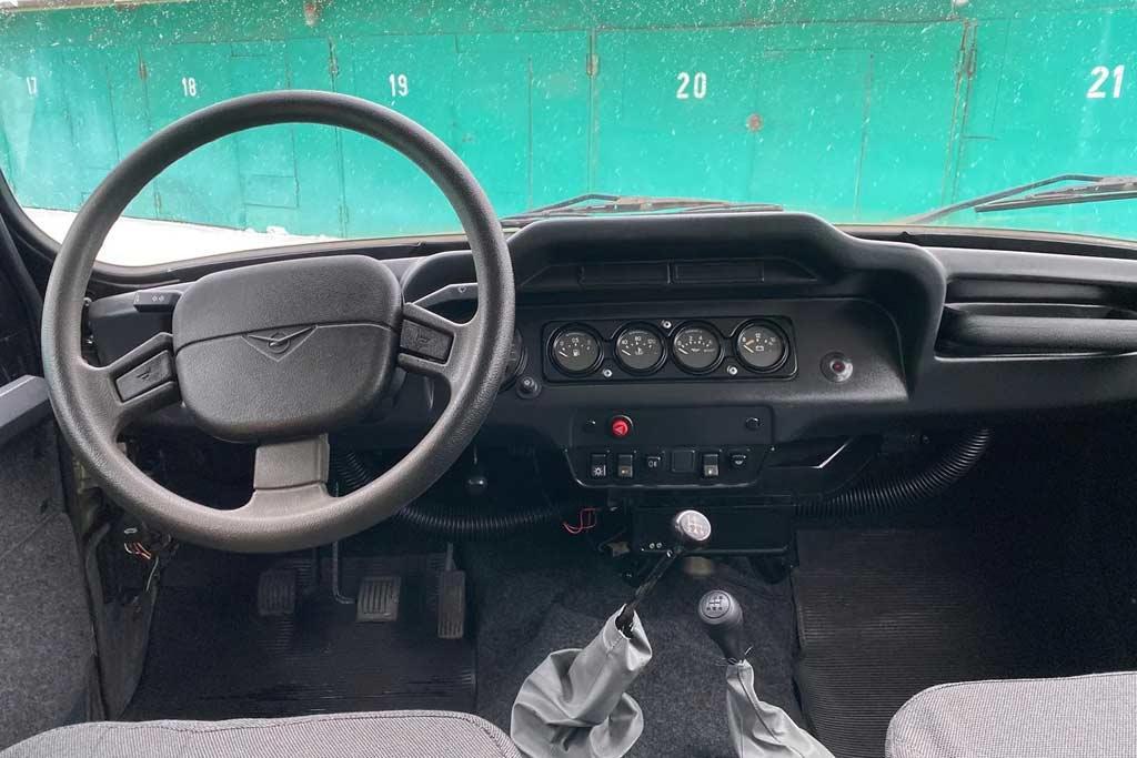 14-летний УАЗ Хантер без пробега продают дешевле нового