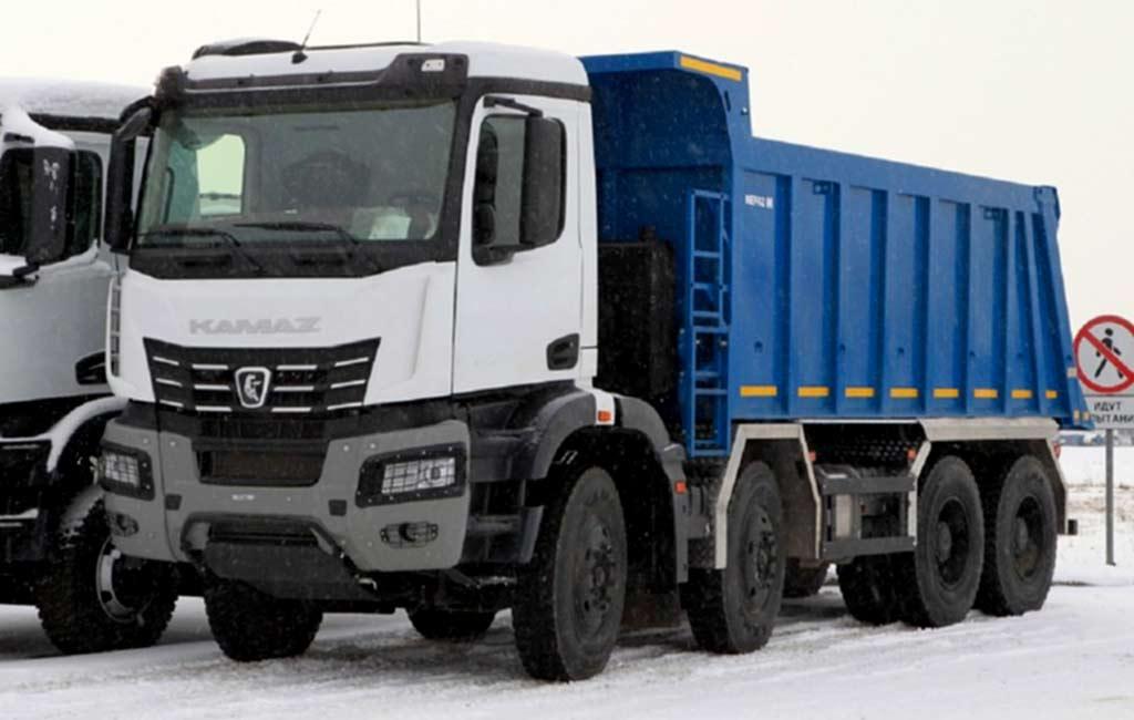 Два самосвала и тягач: КАМАЗ анонсировал три модели с новой кабиной K5