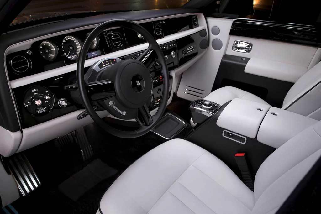 Невыгодное вложение: за девять лет Rolls-Royce Phantom подешевел в шесть раз