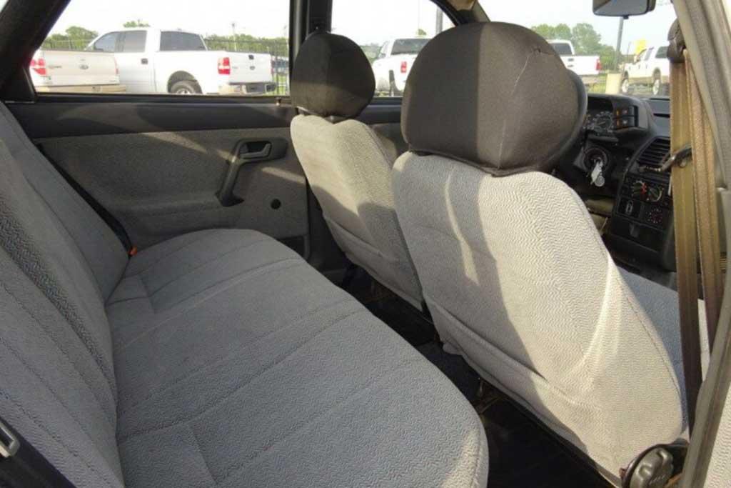 В США продают почти новый ВАЗ-2110: вот только ездить на нем там нельзя