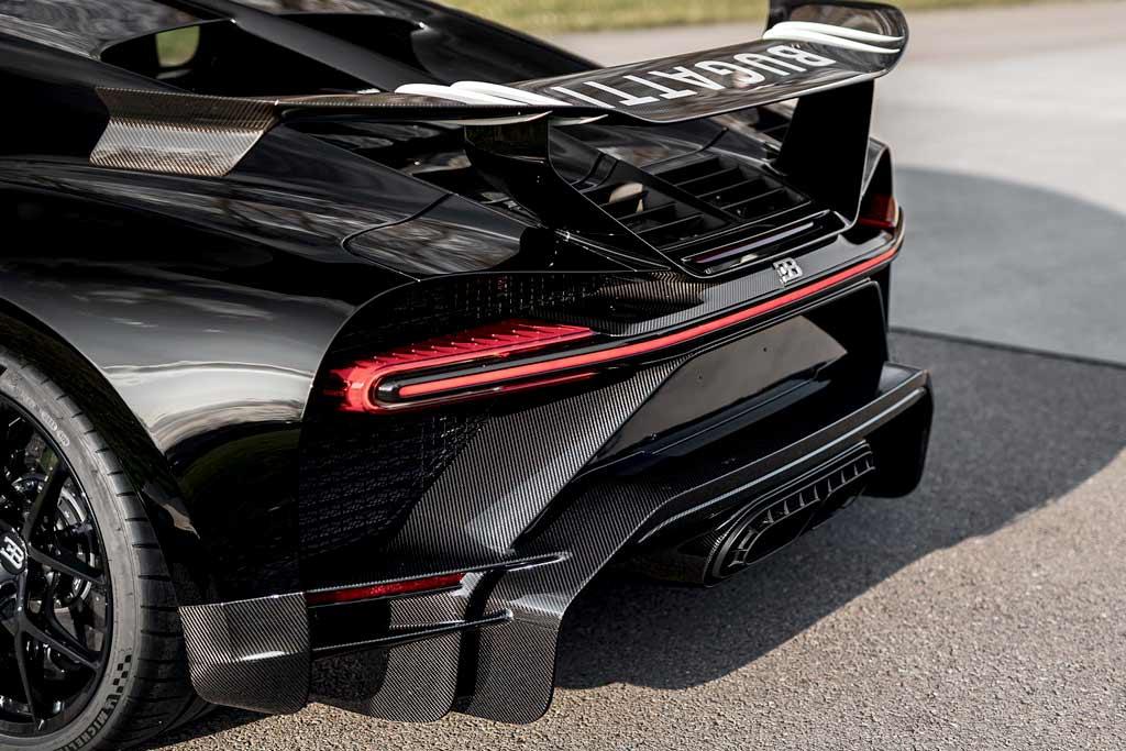 Bugatti Chiron #300