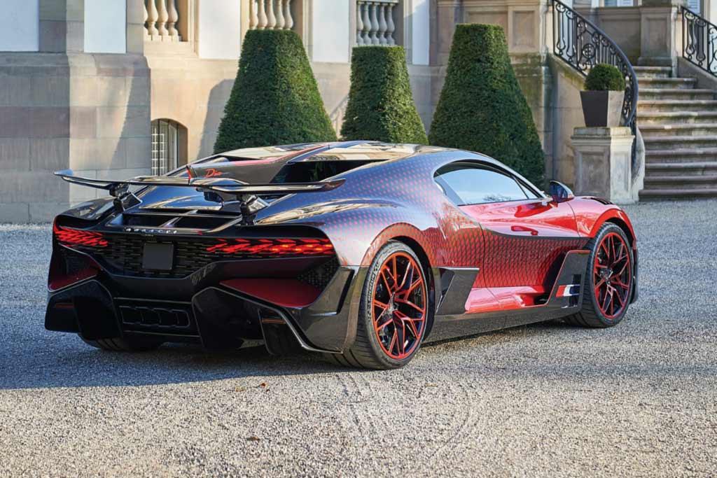 Bugatti Divo Lady Bug: на создание такой спецверсии потратили 1,5 года