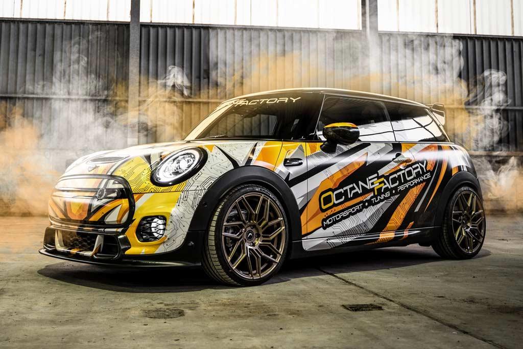 Яркий тюнинг электрического MINI Cooper SE: развитый обвес и новые колеса