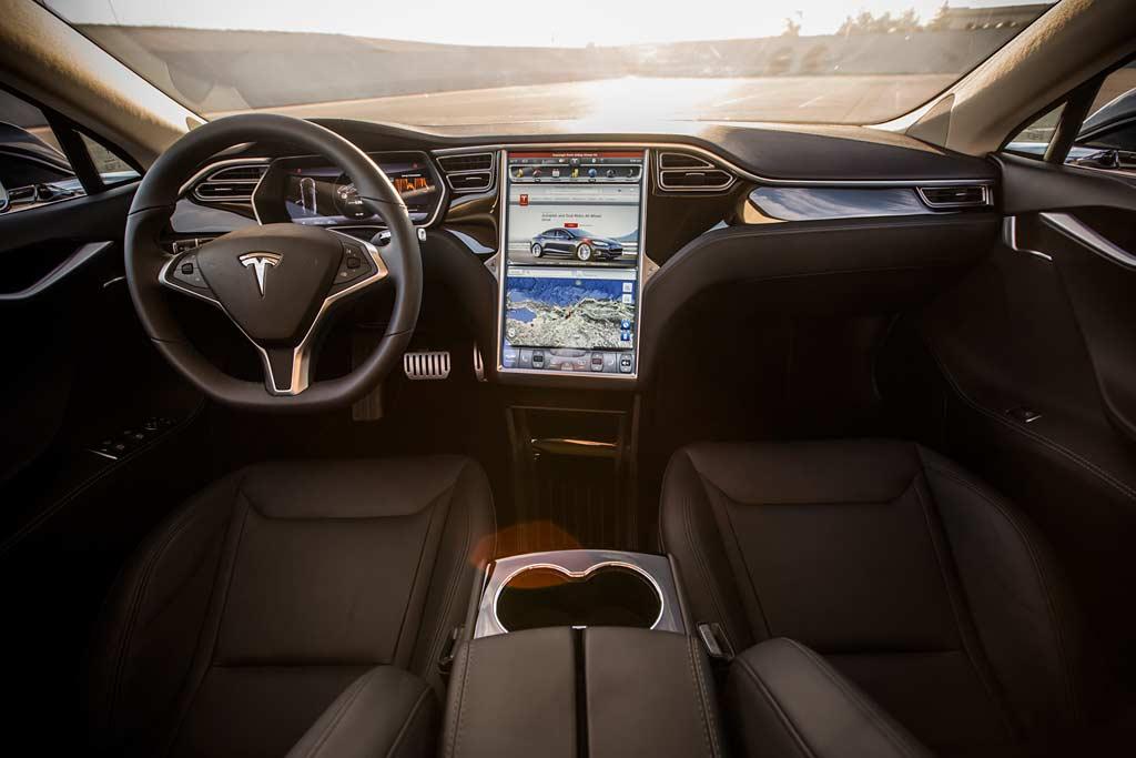 Самые дешевые Tesla в Москве: где купить