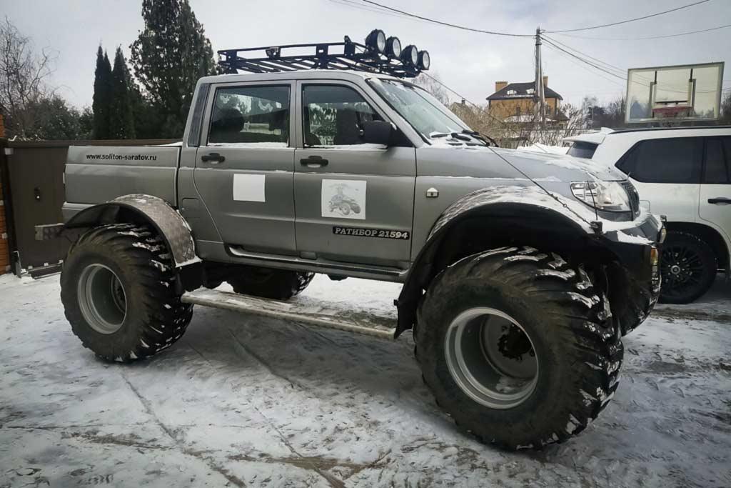 УАЗ Пикап за 3,0 млн рублей: модификация «Ратибор» с колесами от комбайна