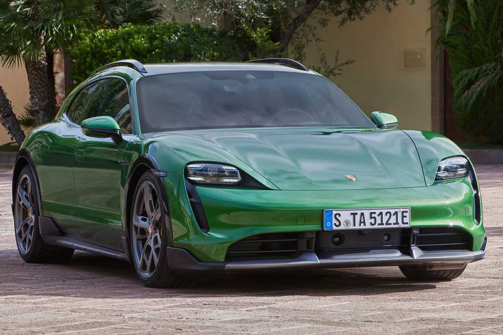 Porsche Taycan Cross Turismo: электрический универсал с вседорожным обвесом