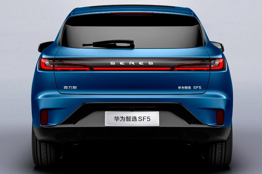 В Шанхае представили кроссовер Seres SF5: первый автомобиль концерна Huawei