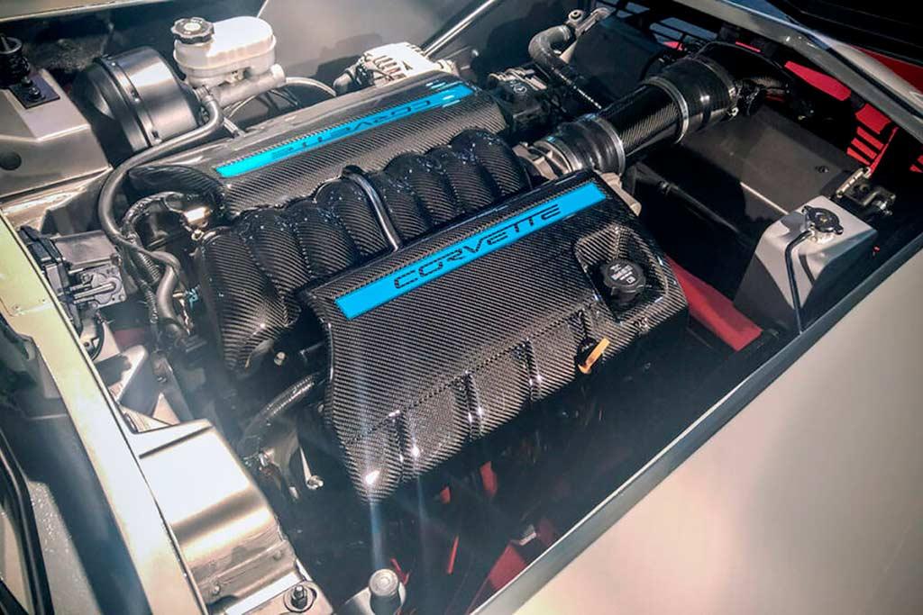 Кузов классического Corvette C3 «посадили» на шасси от C6: вот что из этого вышло