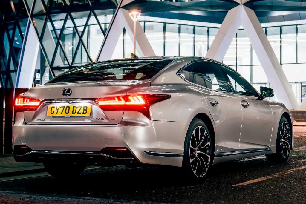 Обновленный Lexus LS добрался до России: смотрим на цены