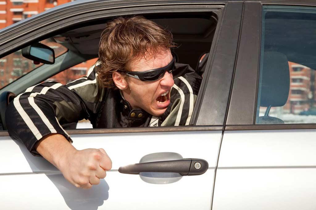 Постоянно тормозят на дороге: в чем секрет «популярности» среди гаишников?