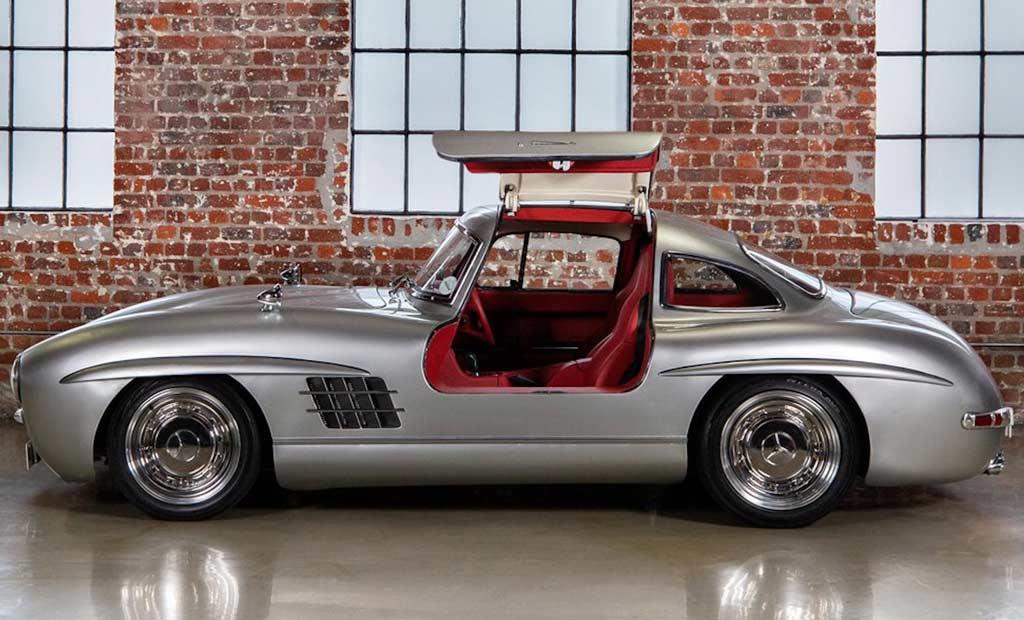 Копию Mercedes 300 SL на базе двадцатилетнего родстера SLK продают за 9,5 млн