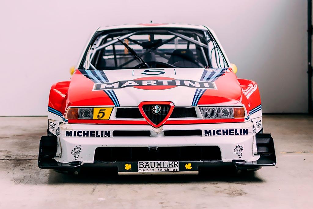 За гоночный Alfa Romeo 155 V6 Ti 1996 года планируют выручить до 70 млн рублей