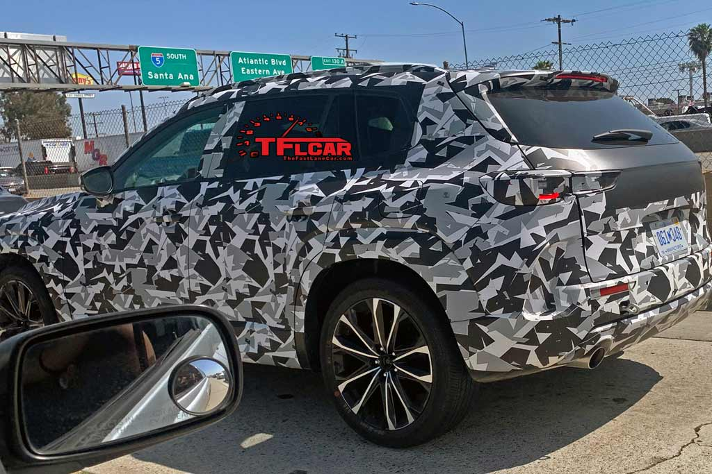 Японцы вывели на тесты кроссовер Mazda CX-5 2023 года в новом кузове