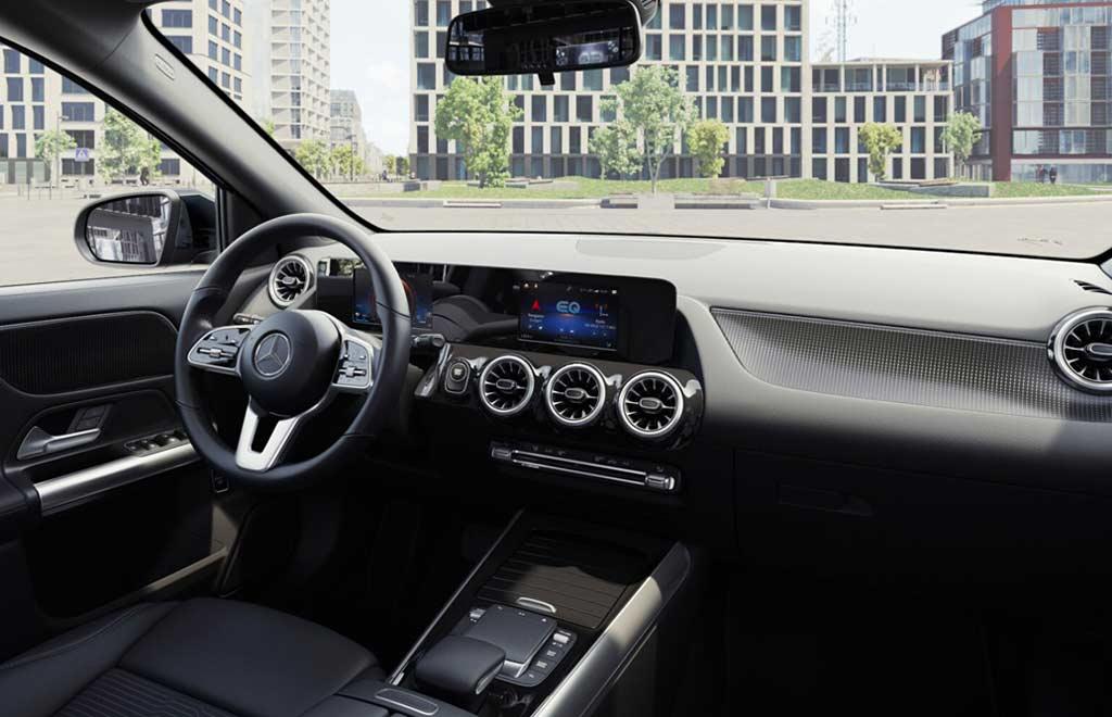 Электрический Mercedes EQA обзавелся версией с полным приводом: причем сразу двумя