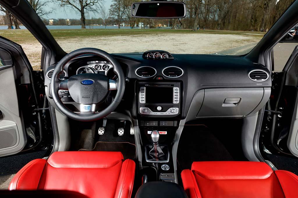 Самый желанный «Фокус»: с молотка пустят редкий хот-хэтч Ford Focus RS500