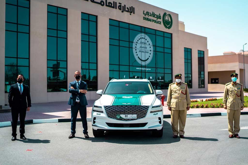 На службу в полицию Дубая заступил премиальный кроссовер Genesis GV80