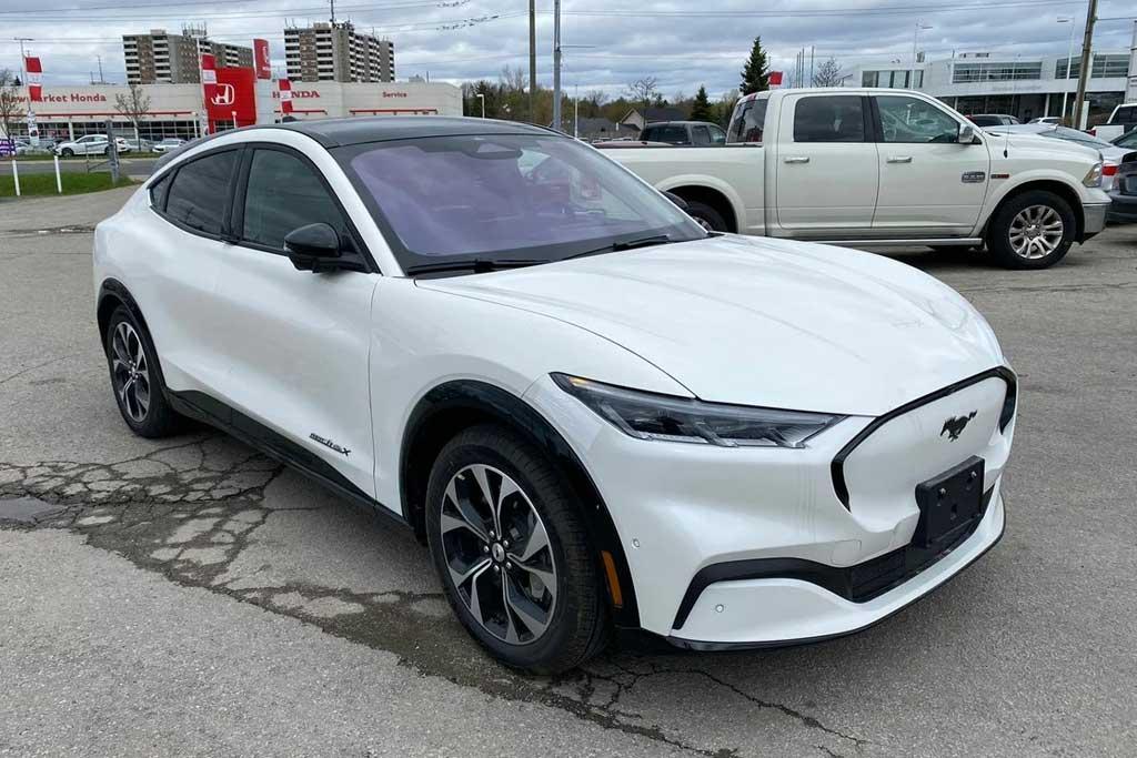 Первые Ford Mustang Mach-E в России: известна стоимость электрического кроссовера