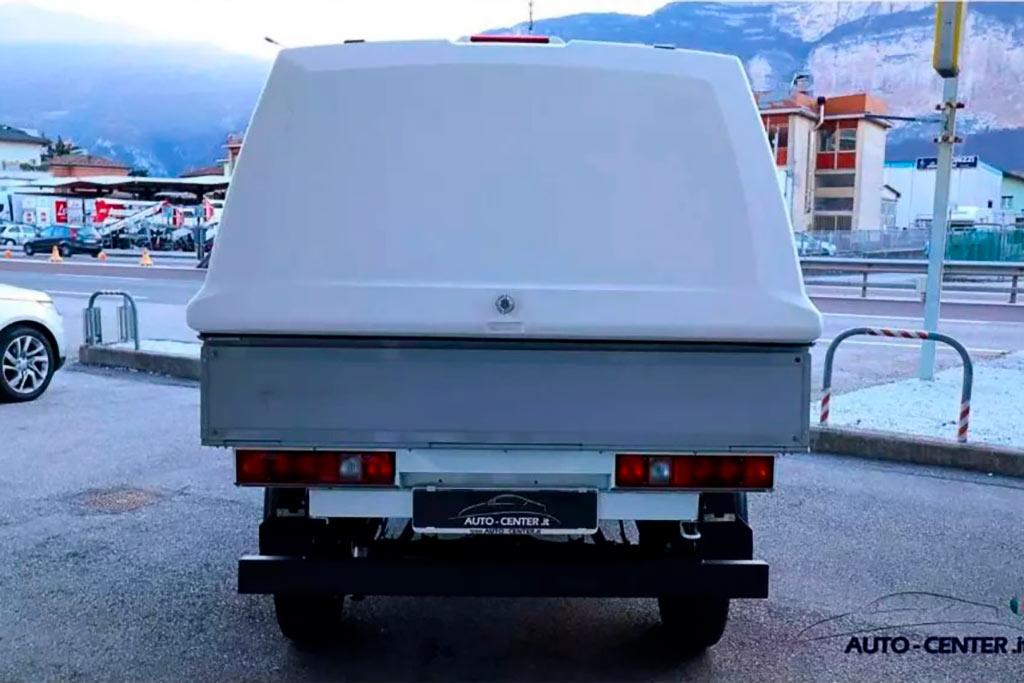 В Италии продают Ниву за 2,0 млн рублей: там ее переделали в пикап