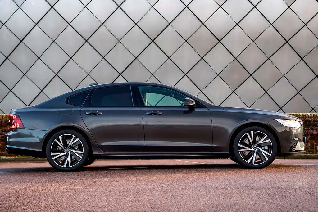 Все минусы Volvo S90: отзывы владельцев, комплектации и цены модели