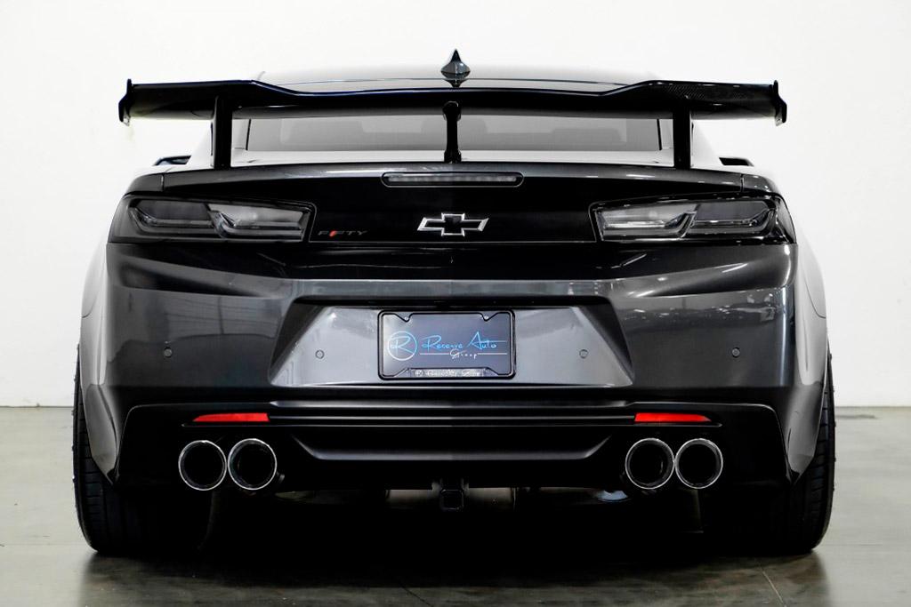 В продаже всплыл модифицированный Chevrolet Camaro SS с выставки SEMA