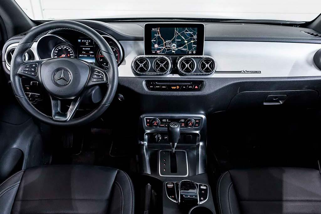 Mercedes X-Class Six-Wheeler