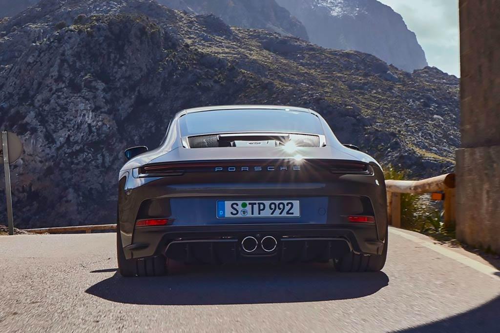 Porsche 911 GT3 с «туристическим пакетом» стал удобней для дальних поездок