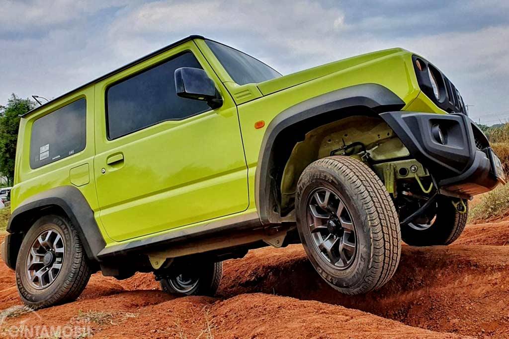 На моделях Suzuki Jimny выявлено две проблемы: объявлен отзыв в России