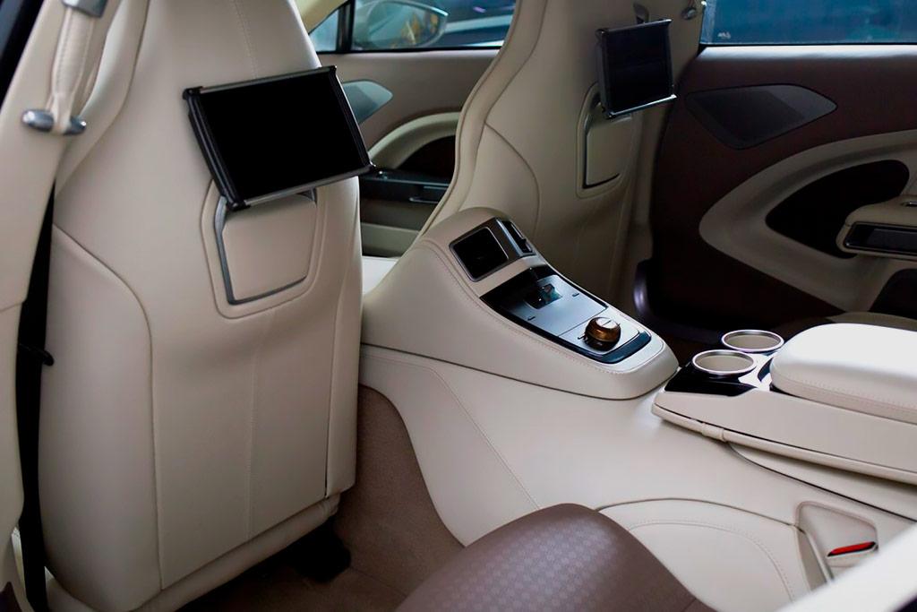 В продаже шикарный седан Aston Martin Lagonda Taraf: в мире таких всего 120 штук