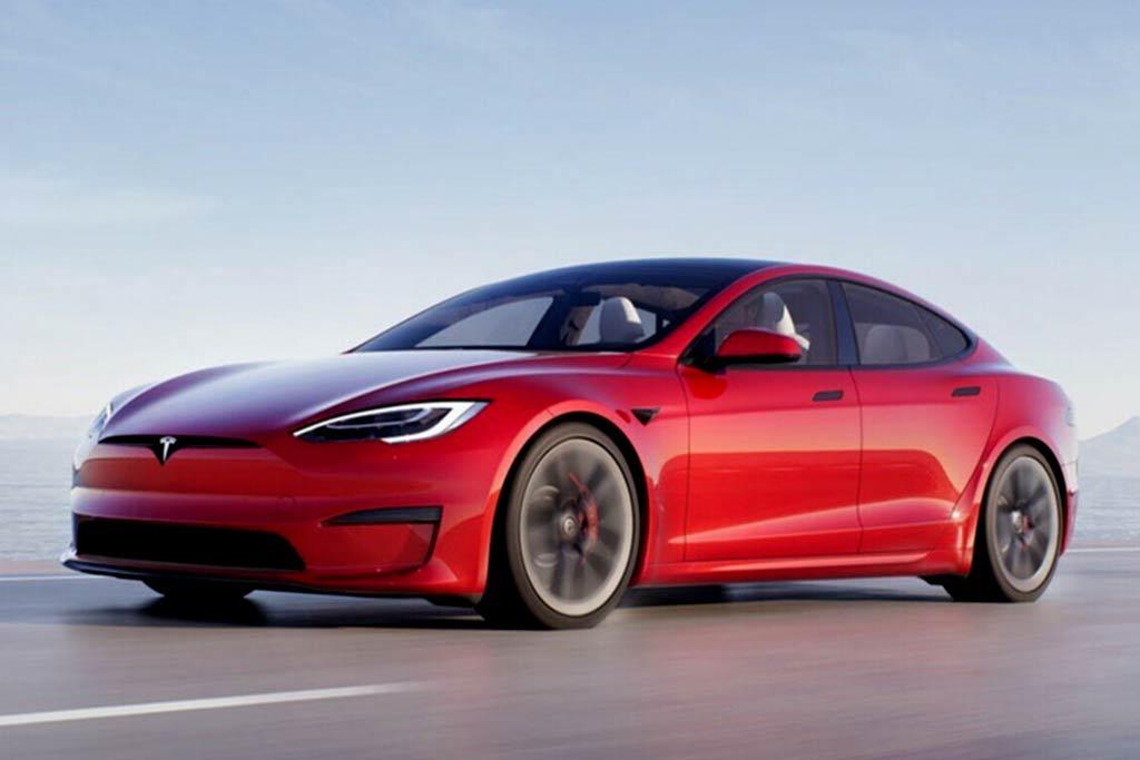 Tesla Model S Plaid с максималкой 322 км/ч стал самым быстрым электрокаром марки